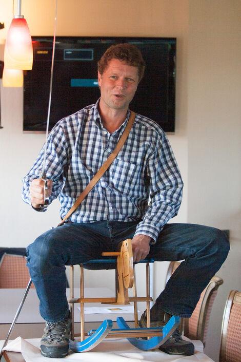 Matthias Schneider demonstriert sein Reiter-Können