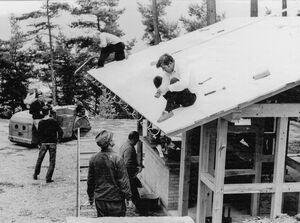 Bau der Schutzhütte